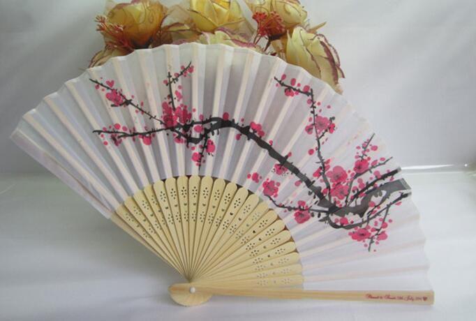 Schöner chinesischer Bambus Silk Winter Hand Faltfächer
