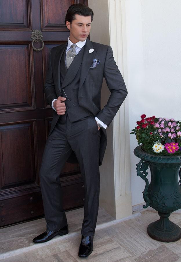 Mais novo Custom Made Manhã Estilo Noivo Smoking Melhor homem Pico Lapela Groomsman Homens Ternos De Casamento Noivo Jaqueta + Calça + Gravata + Colete