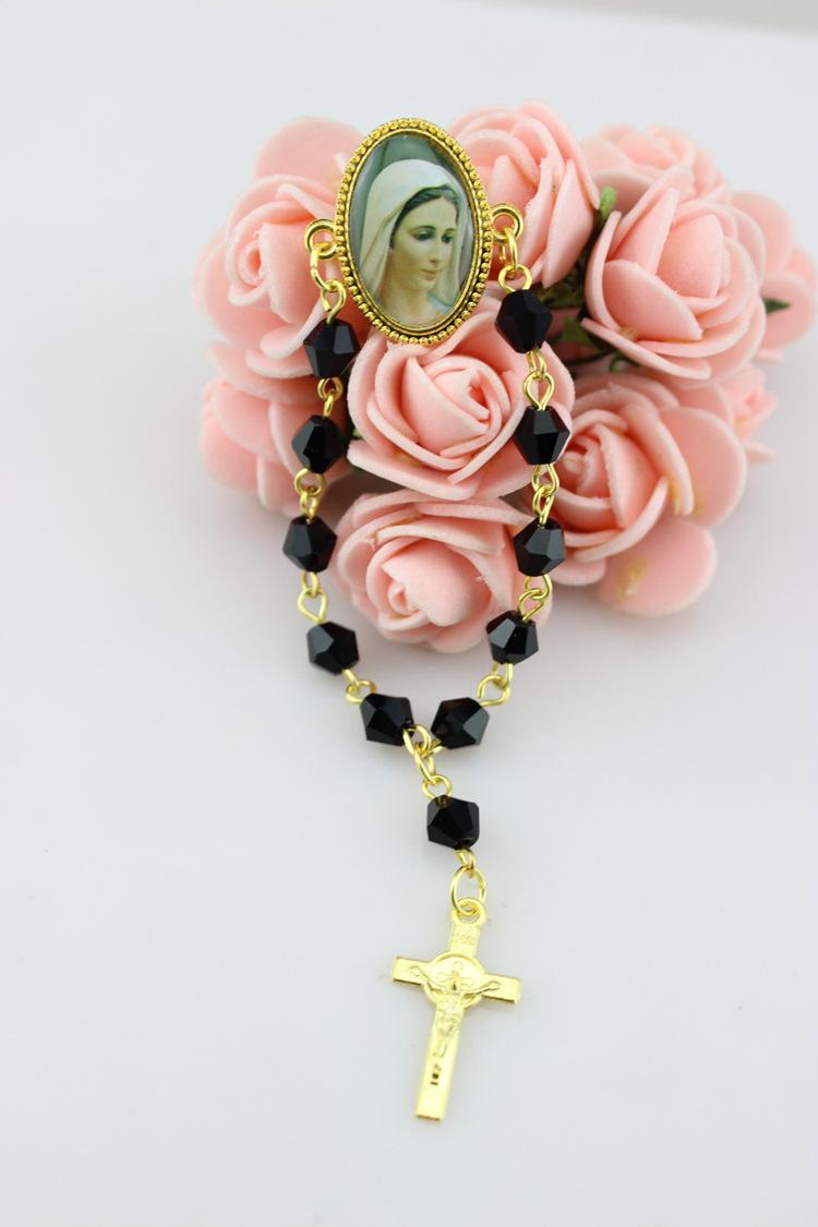 Trendy Fashion Religious Jewelry 6 mm Black Crystal Rosary Brooches With Metal Gold Cross New Design