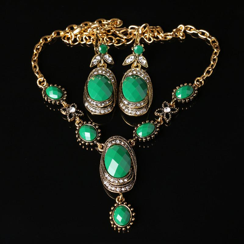 Awesome Pakistani Ladies Gold Anguthi Images - Jewelry Collection ...