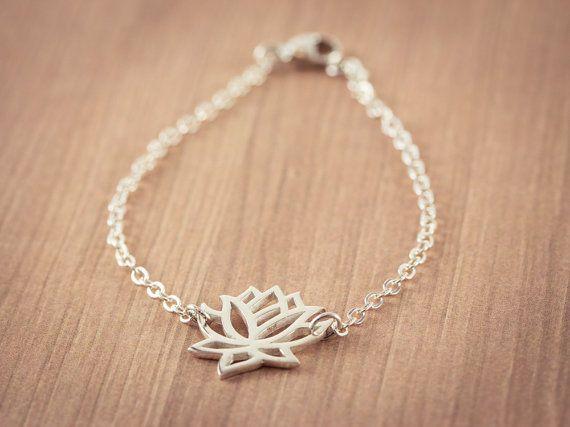 - B013 Fashion Gold Silver Lotus Bracelets Tiny Lotos Flower Bracelets for Prom Yoga Petal Bracelets for Wedding Gifts