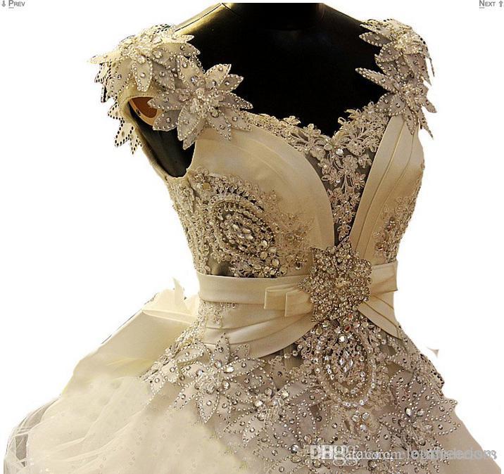 Fotos reales 2021 Center Novias A-Line Crystal Vestidos de novia Vestido nupcial con corsé Atrás Encaje Apliques Capilla Tren