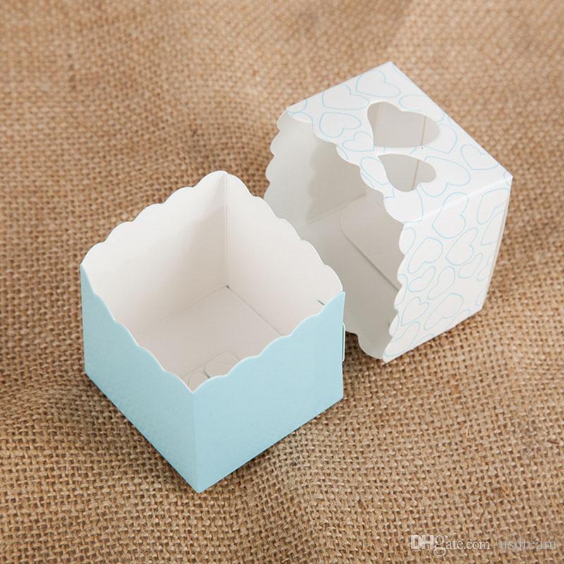Satışa Aşk şeker kutusu Hollow kalp favor Sahipleri Ambalaj Kare dantel hediye paketi kutuları doğum günü Noel Düğün malzemeleri için 240151