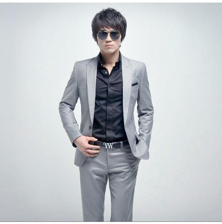 Sabah Tarzı Yüksek Gri Damat Smokin Sabah Tarzı Iki Düğme Düğün Sağdıç Suit Slim Fit Balo Örgün Suits Ceket + Pantolon