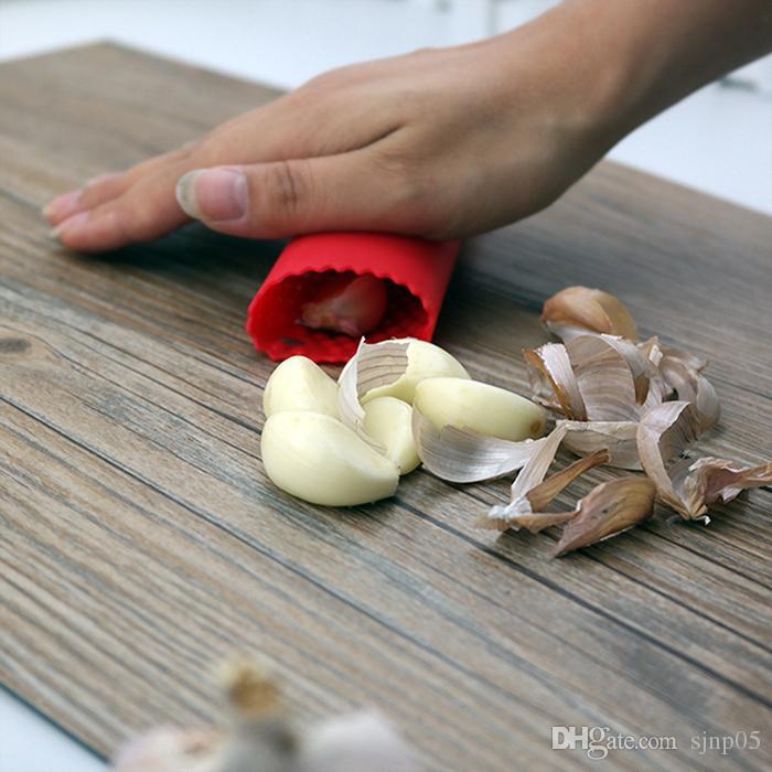 30 قطع مطبخ كرافت الثوم مقشرة سيليكون سهلة لفة الثوم مقشرة أنبوب أداة مطبخ أداة قشر المتعرية أداة بالجملة مزيج الألوان