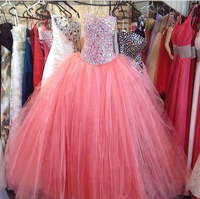 Amzing Crystal Beaded Quinceanera Abiti Sweetheart Ball Gown Sheer Tulle di Alta Qualità 15 anni anos Prom Gowns 2015 Abiti da Festa