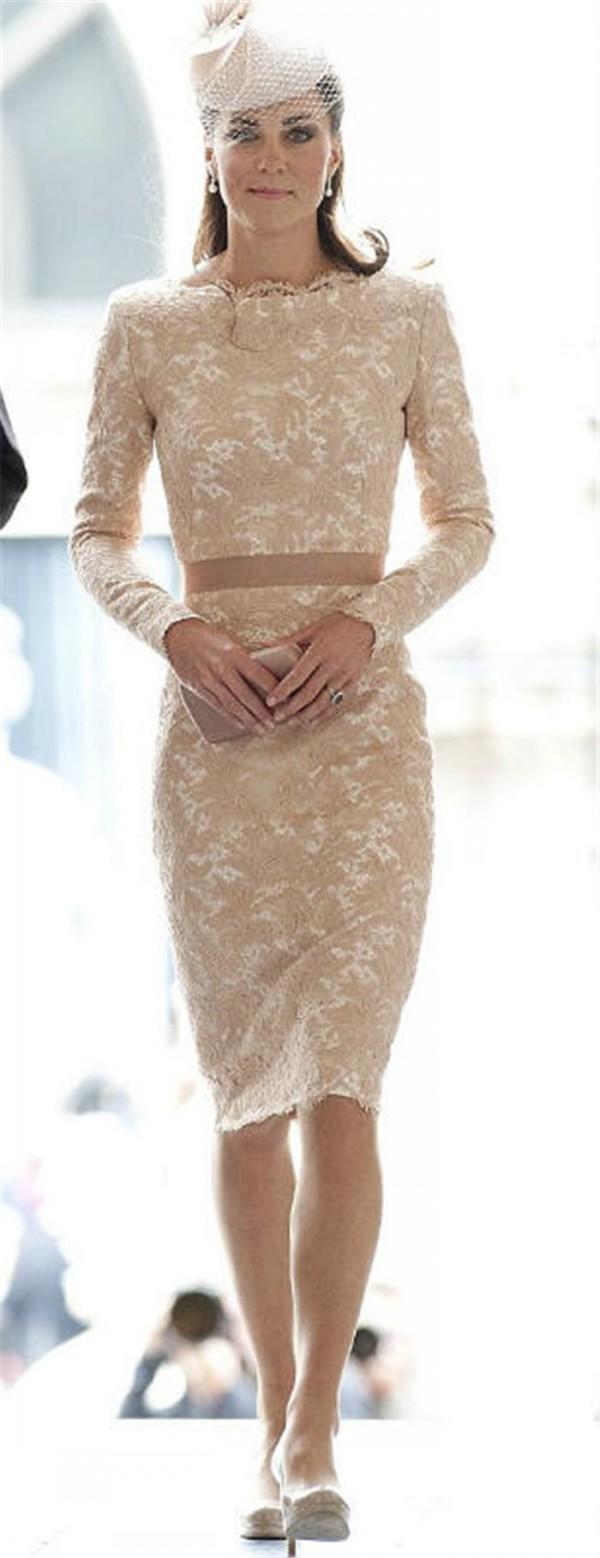 Vestidos de cóctel de encaje Moda Vestidos de Kate Middleton Champán Vintage Encaje de encaje Bateau Escote Longitud de la rodilla Vestidos de fiesta formales con Faja