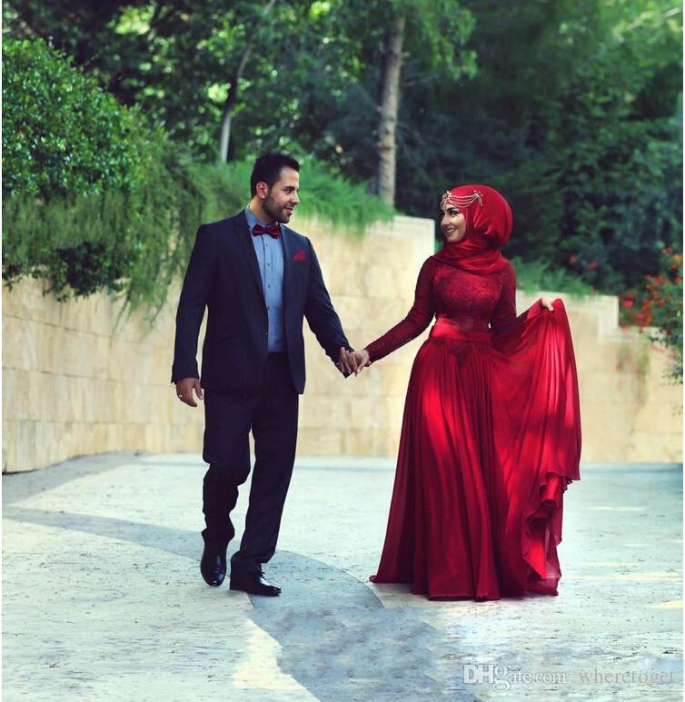Abiti da sposa a maniche lunghe in pizzo rosso bordeaux modesto 2019 Collo alto a line Abiti da sposa in chiffon con fiocco Musulmano nigeriano personalizzato