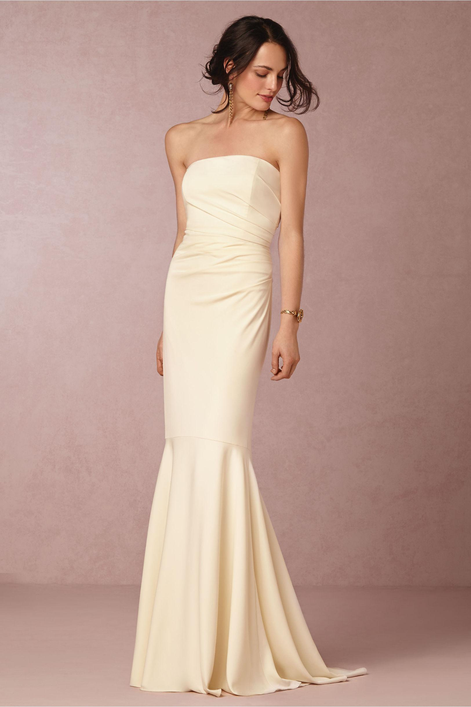 2015 Wedding Gowns Strapless Neckline Backless And Ruched Taffeta Sheath Dresses With Sweep Train Open Back Elegant Grecian Style