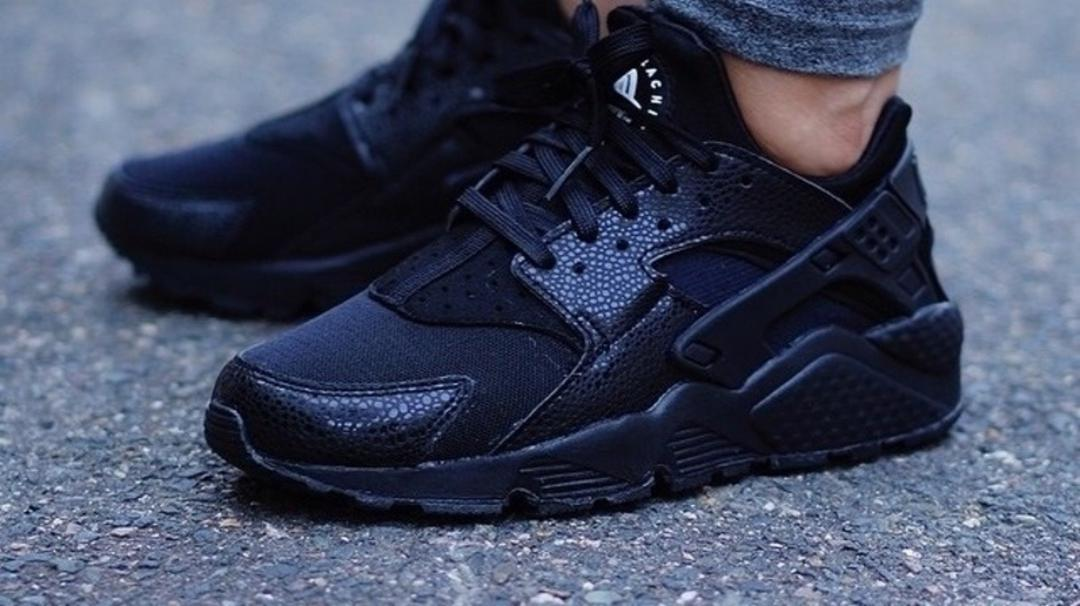 all black huarache sneakers