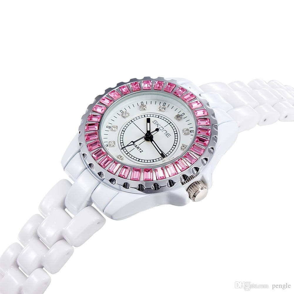 New Fashion Quartz Luxo Luminosa Rhinestone Relógios Relógios De Pulso Cristais De Cerâmica Branca Relógios Para As Mulheres