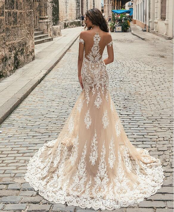 Berta New Arrival Champagne Wedding Dresses Sheer Jewel Neck Lace Appliqued Short Sleeves Mermaid Bridal Gowns Court Train