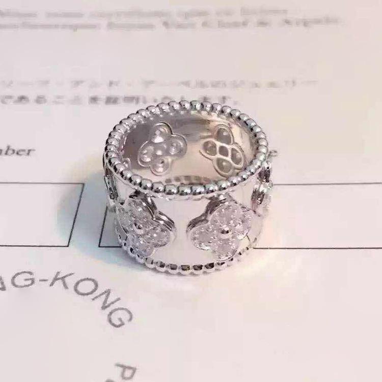 Yeni tasarım En kaliteli pirinç malzeme ile yonca çiçek ve elmas aşk punk yüzük kadınlar için yüzük takı hediye PS6412