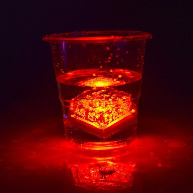 LED Ice Cubes Rapide Ralenti Flash 7 Couleur Auto Changement Cristal Cube Pour La Saint-Valentin Partie De Mariage Actif À L'eau-Lumière