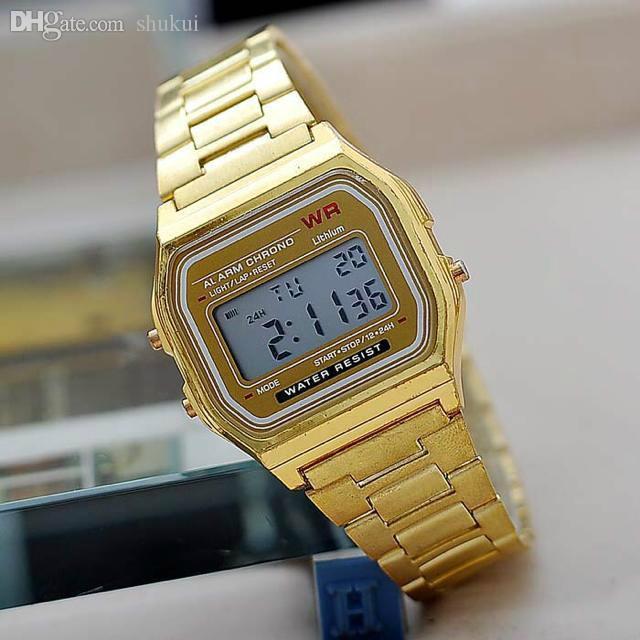 24279b8309ef Compre Al Por Mayor Nueva Plata Oro Cassio Digital Reloj Cuadrado  Impermeable Hombres Deportivos Relojes Reloj Mujeres LED Pareja Reloj A   17.75 Del Shukui ...