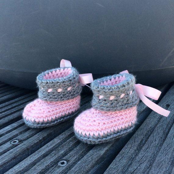 Sapatinhos de bebê de crochê em rosa e cinza / crochê bebê sapatos 0-12 M personalizado