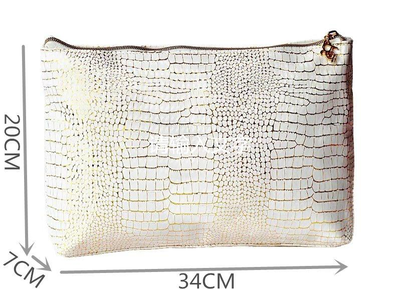 New fashion handbags beauty women travel cosmetics bag handbags PU large capacity beautiful Gold pattern alligator Storage bag