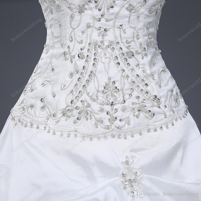 화려한 볼 가운 웨딩 드레스 싸구려 Strapless 자수와 프릴 스팽글 레이스 최대 100 실제 샘플 아래에 신부 가운
