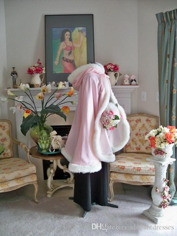2021 Stunning floor lunghezza Pink Colore Bridal Capes Wedding Cloaks Faux Pelliccia Perfetto inverno Wedding Bridal Cloaks Cape Flower Girl Cape