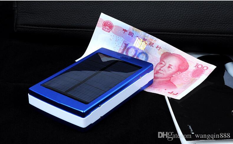 Chargeur solaire et batterie Panneau solaire Portable Power Bank pour téléphone portable MP4 ordinateur portable de la caméra avec lampe de poche Shock