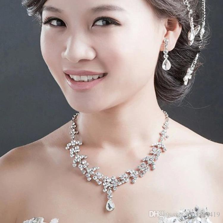 2018 Kristall Brautschmuck Weiß Set Tropfen überzogene Halskette Ohrringe Hochzeit Schmuck-Sets für Braut Brautjungfern Frauen Braut-Accessoires
