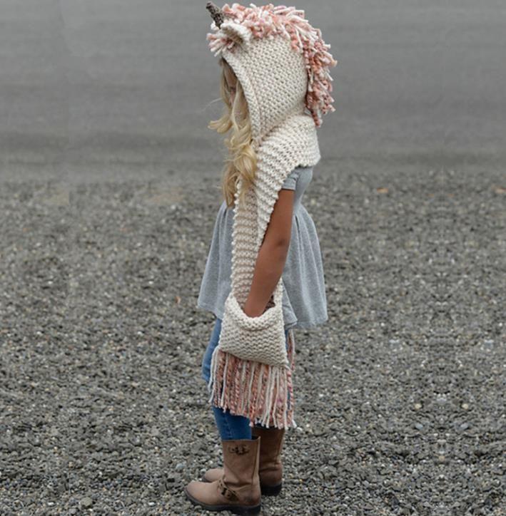 Nouveau Automne Hiver enfants Cartoon Unicorn une pièce écharpe Cap bébé Filles Garçons Bonneterie Chapeaux Glands Crochet Bonnets écharpe M140