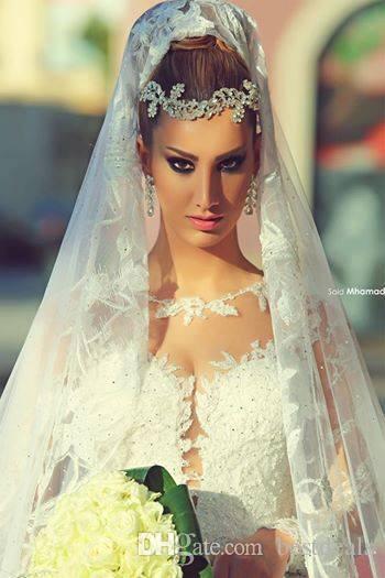 NewElegant Brazilian 2016 Brautkleider mit langen Ärmeln Spitze Brautkleider Sfani Sheer High Neck eine Linie Kathedrale Zug Brautkleider BO7084