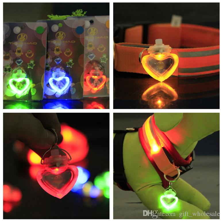 Pet Supplies dog LED Heart Shape flash safety night light clip safety pendant tag lights dogs Blinker Collars equipment