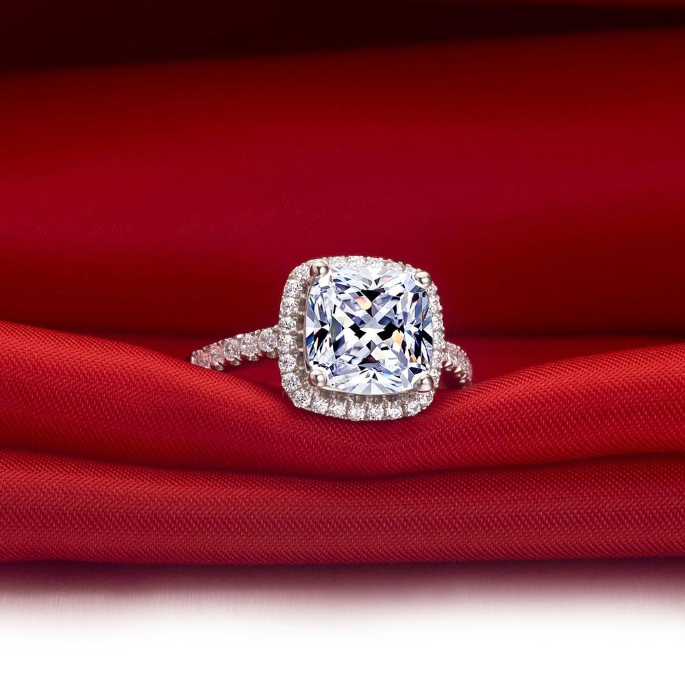 2 ct şaşkınlık tasarım beyaz şeffaf Prenses Kesim Sentetik elmas yüzük kutusu ile inanılmaz popüler öğe kadınlar en iyi aşk takı