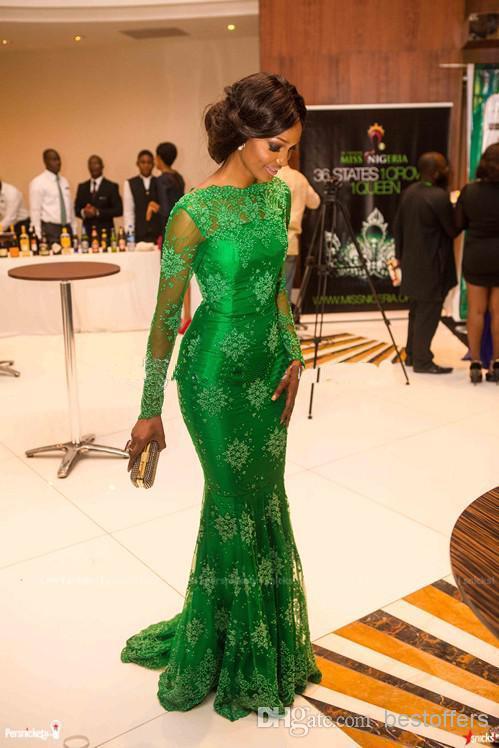 2018 neueste Sheer Spitze Langarm Abendkleid mit Bateau Smaragdgrün Promkleider Meerjungfrau Celebrity Abendkleider