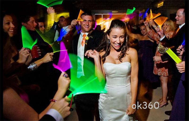 7.8''Multi Cor Hot Brilho Vara Pulseira Colares de Festa de Néon LED Piscando Luz Varinha Varinha Brinquedo Da Novidade LED Concerto Vocal LED Flash varas