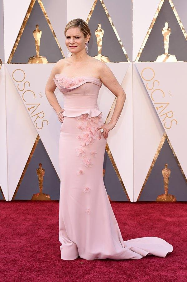 82df580ea97 2016 88th Oscar Red Carpet Celebrity Dresses Jennifer Jason Leigh Pink  Sheath With Asymetrical Neckline 3D Flowers Decorated Evening Gowns  Celebrities In ...