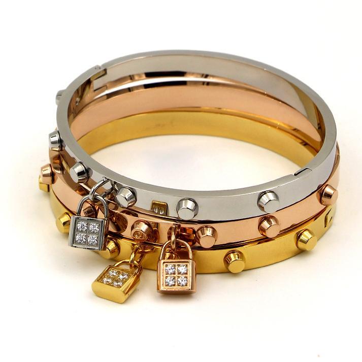 Vente chaude de luxe Nom de marque 18k Or rivet bracelet avec Lock Accessoires diamant incrusté CNC Bracelets pour hommes et femmes Hip hop bijoux
