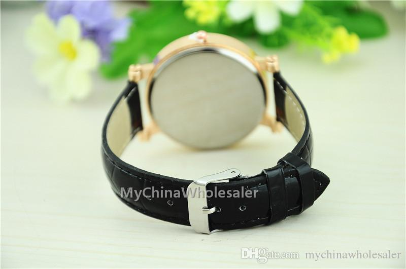 여성을위한 고품질의 새로운 시계 석영 Relogio 12 토템 아날로그 손목 시계 크리스탈 석영 라인 석 가짜 가죽 밴드 숙녀 시계