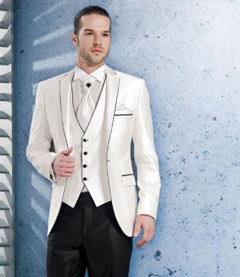 Nieuwe aankomsten Eén knop Ivory Bruidegom Tuxedos Notch Revers Groomsmen Beste Man Bruiloft Prom Diner Pakken jas + Broek + Vest + Tie G5115