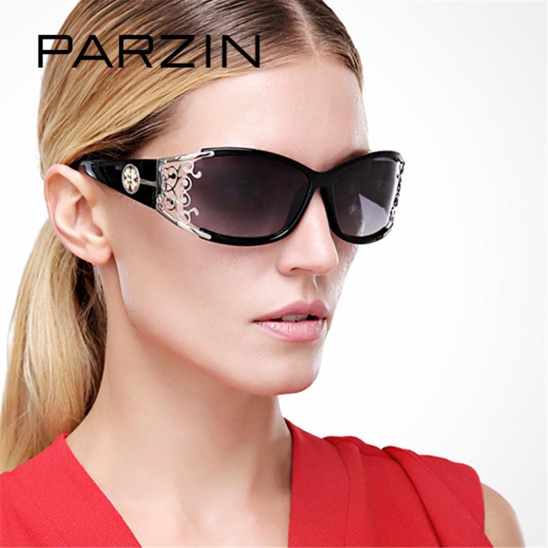 26811e36a Compre Parzin 2017 Mulheres Óculos De Sol Retro Polarizados Óculos De Sol  De Luxo Feminino Para Motorista Elegante Oco Lace Espetáculos Com Case 9218  De ...