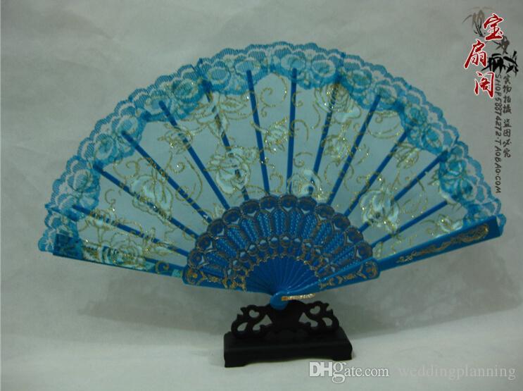 عشاق الزفاف اليدوية الصينية الشعبية الجناح تشون مروحة الرقص الأبيض روز برعم الحرير مروحة اكسسوارات الزفاف