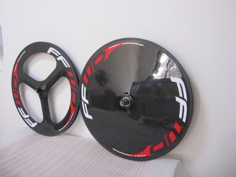 FFWD Karbon Fiber Yol / Parça Bisiklet Ön 3 Konuştu Bisiklet Disk Tekerlek Tübüler Arka Tekerlek Parlak / Mat Bitirme