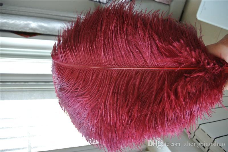 Frete grátis por atacado 100 pçs / lote 16-18 polegada 40-45 cm burgudy vinho vermelho penas de avestruz para decoração de casamento mesa de centro de mesa de casamento
