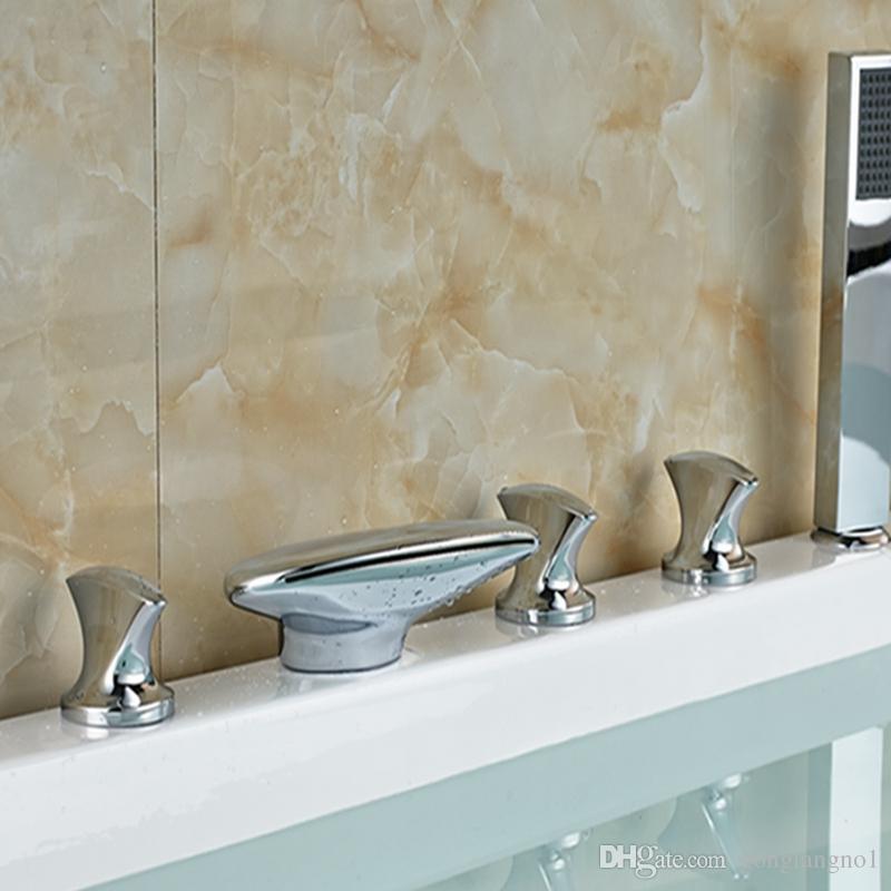 Toptan Ve Perakende Cilalı Krom Pirinç Şelale Bacalı Banyo Küvet Bataryası W / El Duş Püskürtücü Mikser Dokunun
