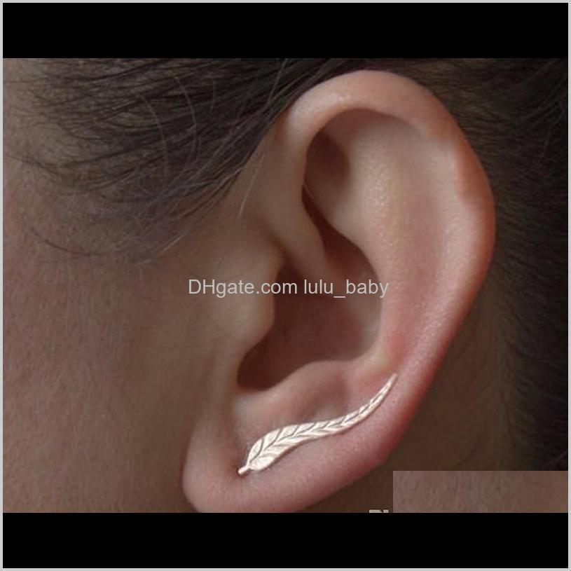 2018 vintage jewelry exquisite gold color leaf women earrings modern beautiful feather stud earrings for women