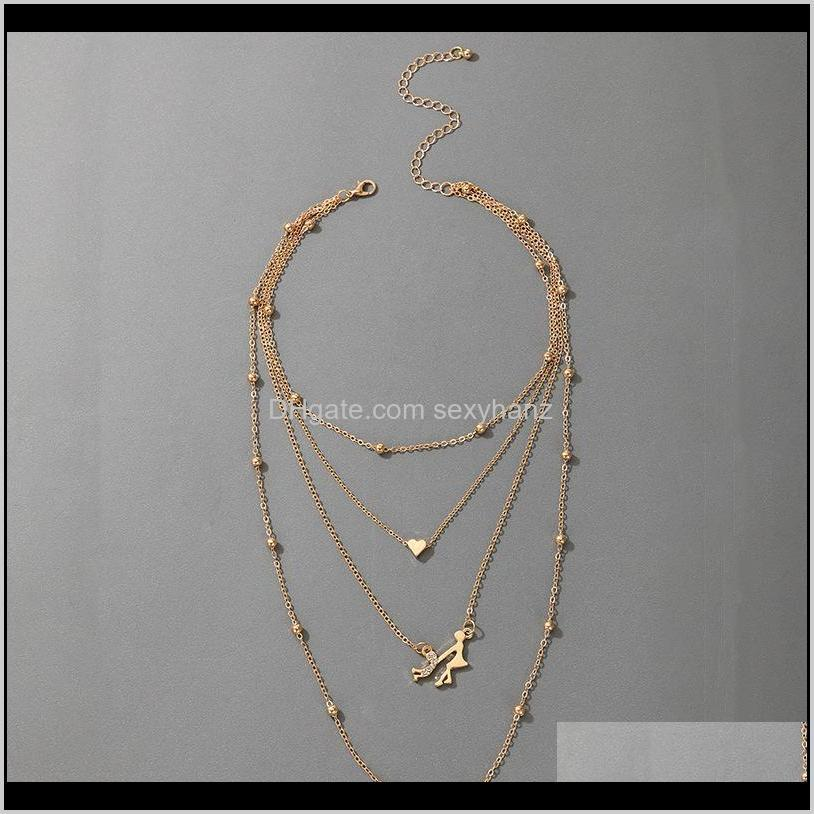 2021 new mother`s day baby girl in hand mother pendant necklace gold heart chokers necklace fashion jewelry gift