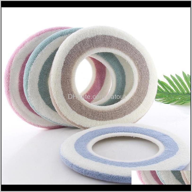 Winter Stripes Washable Toilet Seat Cover Bathroom Warm Toilet Cushion Pad Elastic Closestool Mat Home Hotel Bathroom Supplies