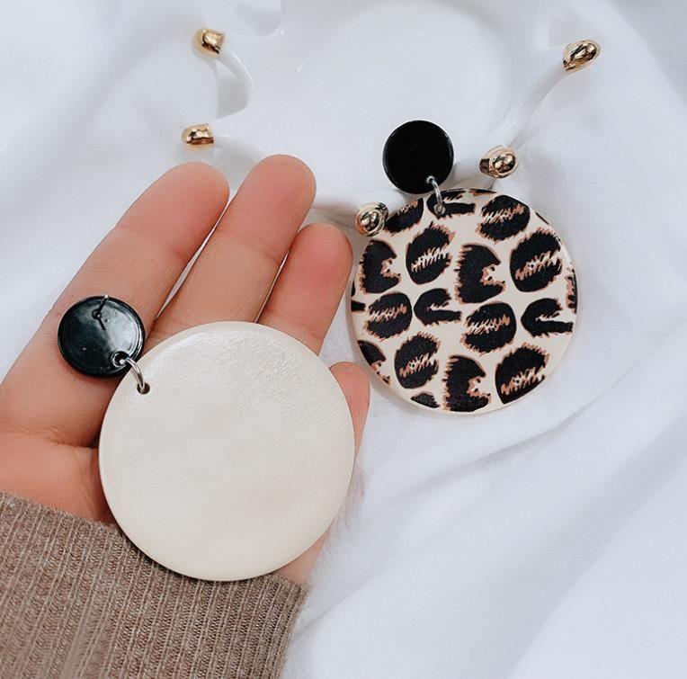 Unique Design Vintage Leopard Wood Round Pendant Earrings African Sexy Leopard Big Drop Earrings For Women Wooden Jewelry