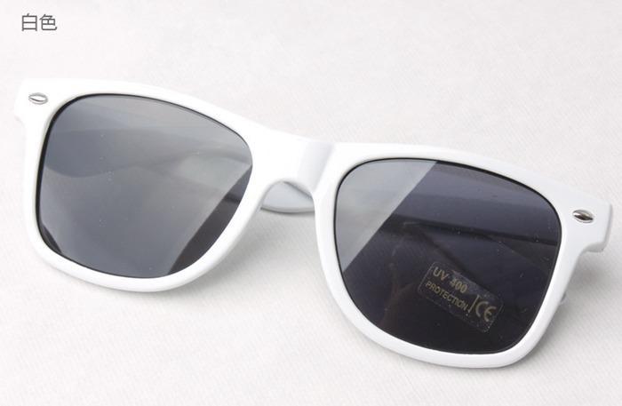 Womens and Mens Most Cheap Modern Beach Sunglass Plastic Classic Style Sunglasses