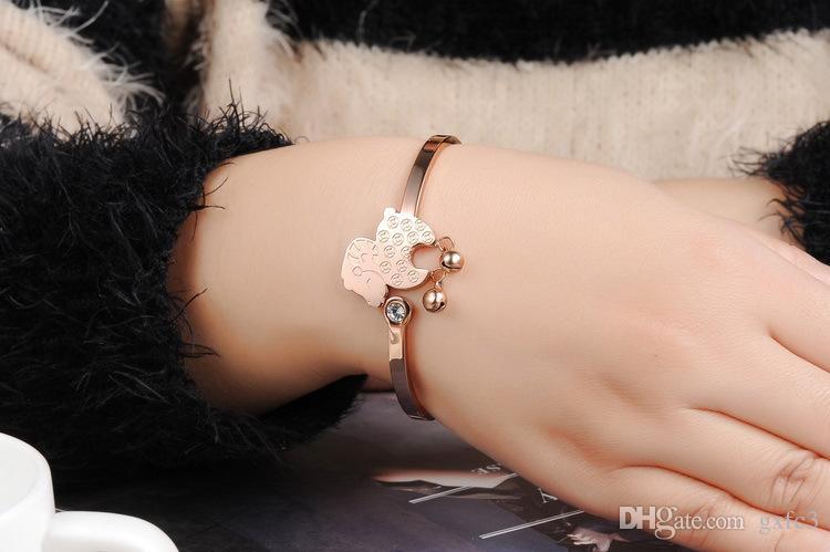 Acero titanium Chapado en oro rosa La pulsera de cordero La campana Transshipment GH746 Ms bracelet