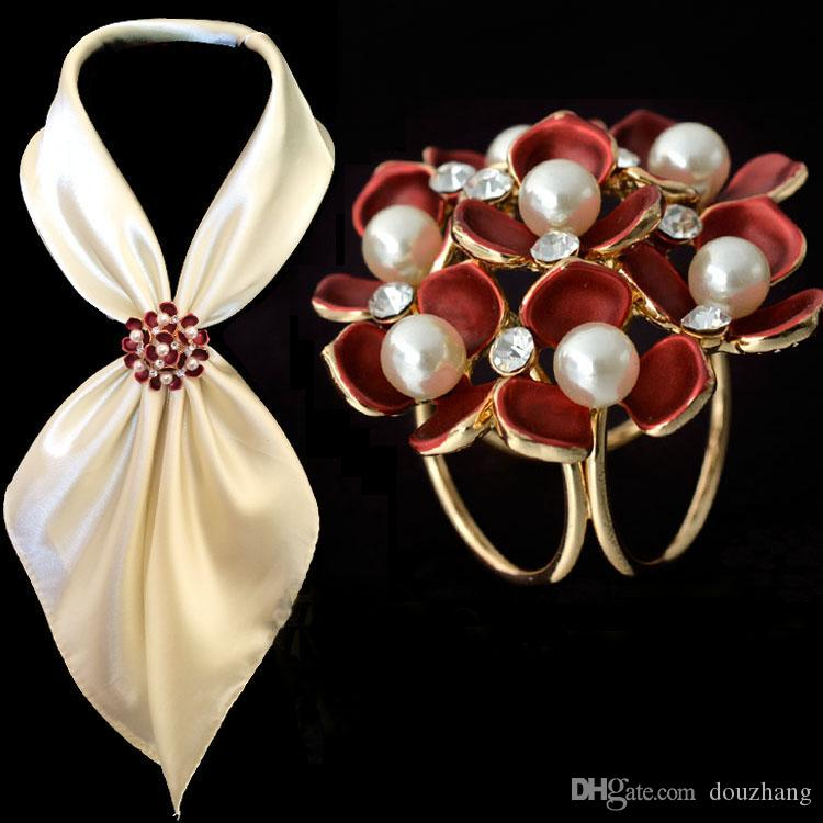 Fashion Jewelry Women Broaches Gold Plated Pearl Rhinestone Enamel Flower Scarf Clips Wedding Brooch For Women Wholesale