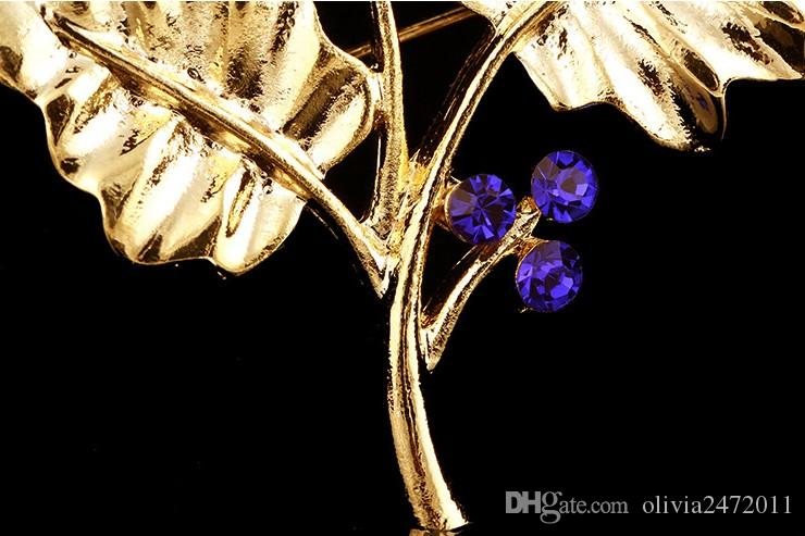 Top Quality New Korean Shining Blue White Crystal Gold Alloy Leaf Brooch Pins Clothing Dresses Accessory DR