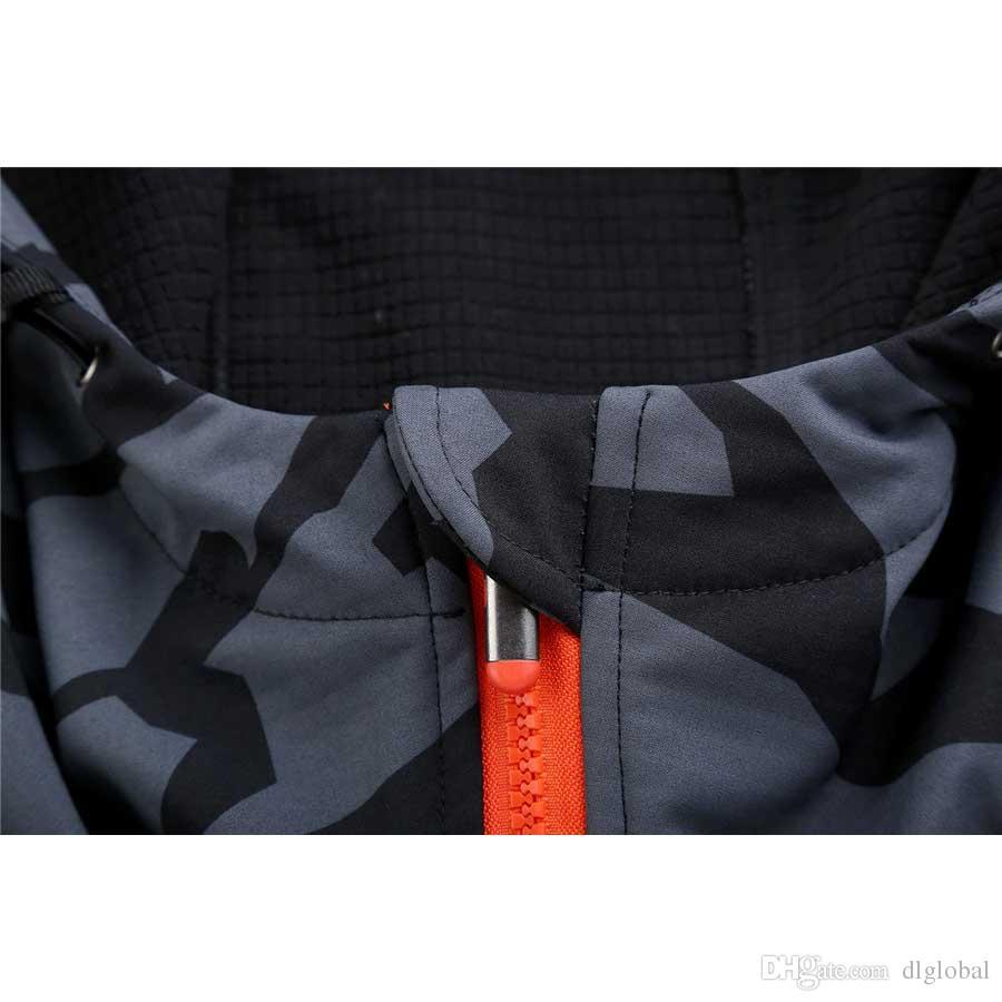 Outdoor Jacket Single Soft Shell Fleece Jacket Shark Skin Assault Coat Camouflage Couple Autumn Winter Clothing
