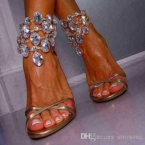 2016 Scarpe da sposa in cristallo Immagine reale Scarpe da sposa in oro Strass Plus Size Accessori da sposa economici Catena con tacchi alti Sandali da donna